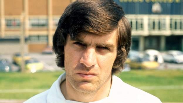 Peter Lorimer: Leeds United's record goalscorer 'battling a long-term illness' in a hospice